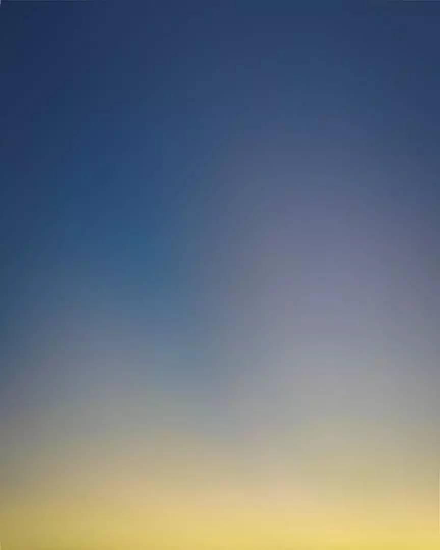 浪漫的事_photo丨他做了一件浪漫的事,把遇见的天空都记录下来