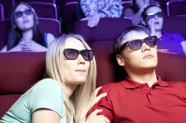 """""""只有我一个人觉得3D电影又难受又难看吗?——还贼贵!"""""""