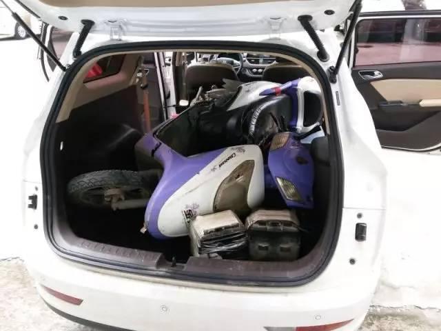 车主故事 买到宝骏310W后,他把旧车装进后备箱开走了