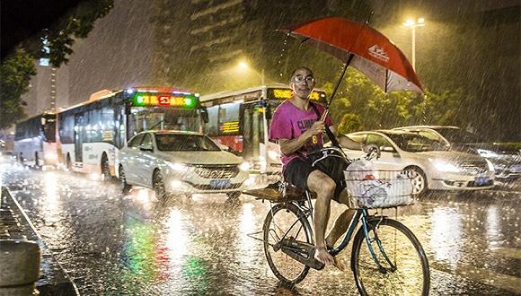 天鸽 今日中午登陆广东 中央气象台首发台风红色预警