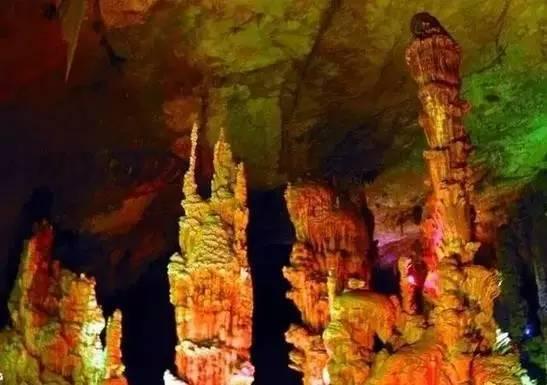 女人嫩穴洞_中 国 最 美 的 六 大 洞 穴