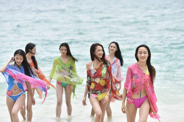 人体艺术小岛南_大赛佳丽比基尼泳装秀 私家小岛拍外景