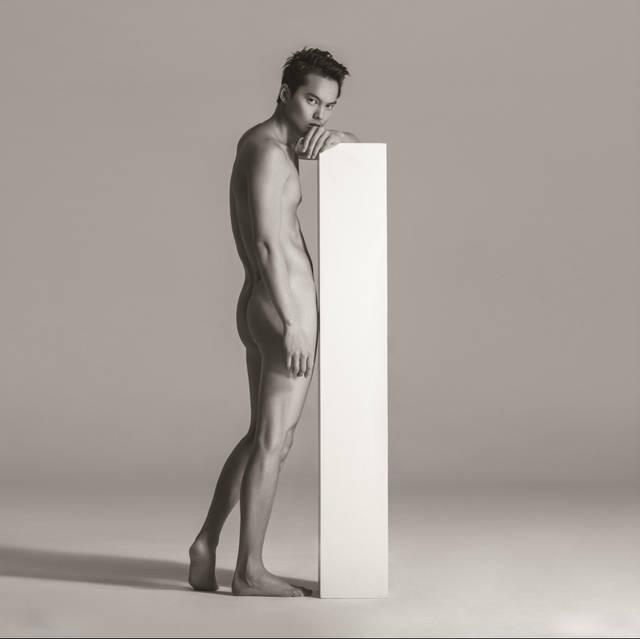 看人体网站_这些大牌男模的人体大片 你们看过多少?_手机搜狐网