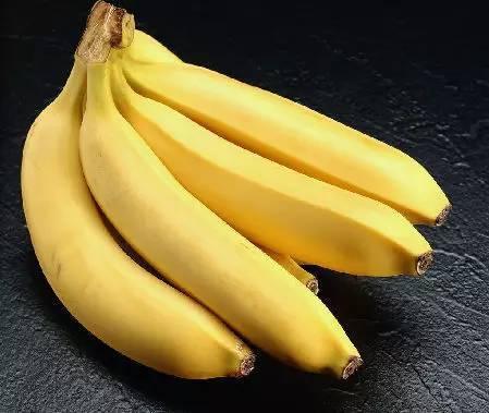 15岁女生ktv被逼下体水嫩私处开酒瓶_香蕉 匿名妹子说:「我尝试了几个东西,梳子棒儿,黄瓜,酒瓶的瓶嘴.