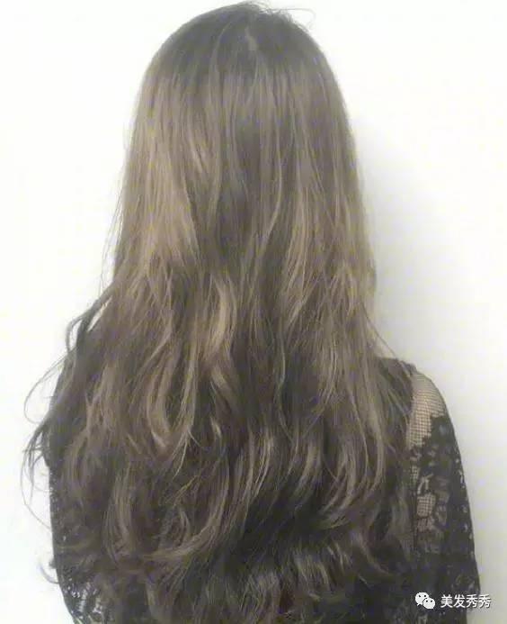 狂操大波_大波卷发就是很美丽,很有女人味儿.