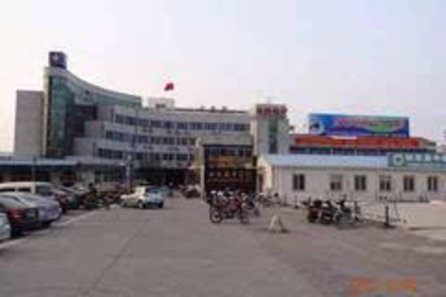 江海中路50号承载了如东县中医院40多年的历史,40多年来为全县百万