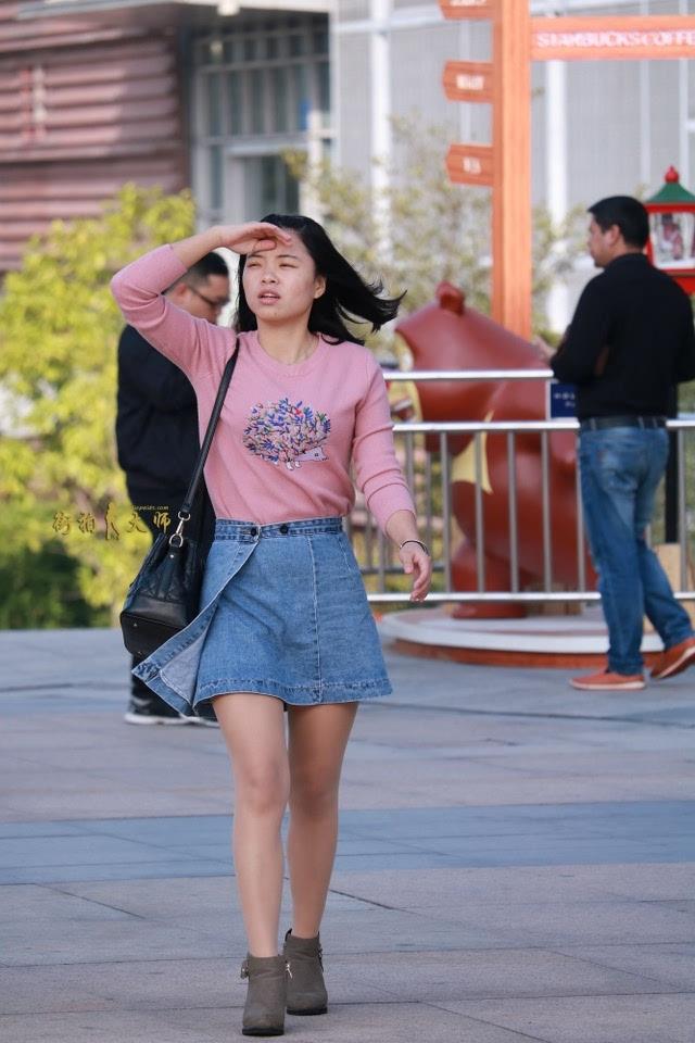 拍av的萝莉_深圳映像旅拍集锦0154——萝莉的街拍肉丝牛仔短裙美腿