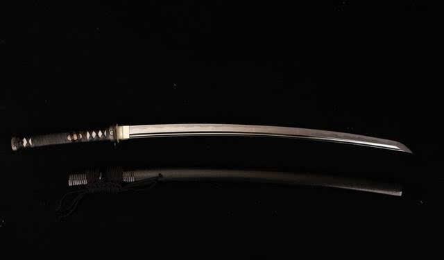 日本武士刀_实用与美感并存的日本武士刀是怎样被制作出来的?