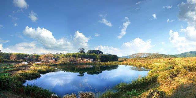 日本少妇嫩穴色囌M�_地下河水中石林:天鹅洞群风景区溶洞地下河内有一个最具特色的景点