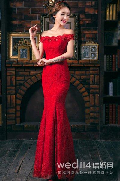 晚礼服旗袍_订婚女方穿什么衣服 旗袍传统礼服高贵
