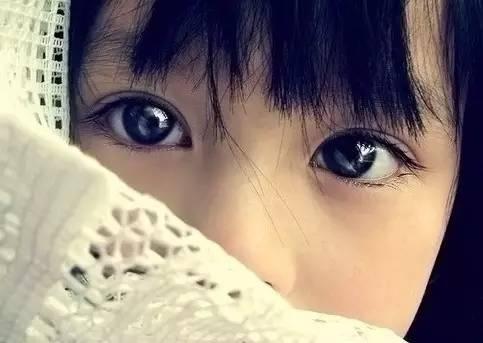 总感觉眼睛里有异物_眼睛疼眨眼睛上眼皮有异物感。-我带隐形眼镜,最近几天感觉眼睛 ...