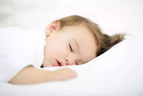 五個月寶寶只睡10小時