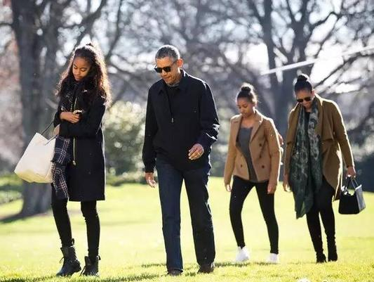据说总统一家人前一阵子在一堆