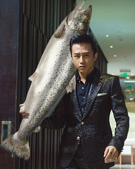 2016年其主演的喜劇片《美人魚》票房突破30億元,更是讓鄧超如坐上圖片