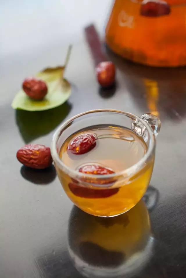 夏天喝生姜红枣茶_这个夏天,最适合喝的竟不是绿豆汤!