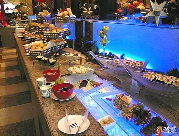 西安钟楼饭店自助餐_推荐西安好吃到哭的15家自助餐厅 你去过几家