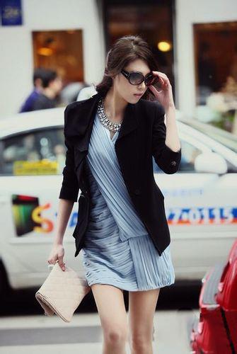 夏天连衣裙配什么外套 教你搭配出时髦风情!