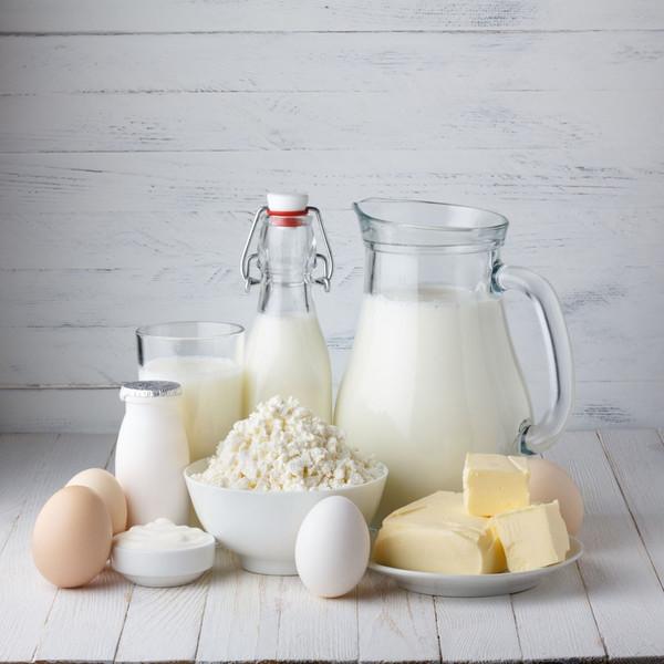 过期的牛奶能喝_过期牛奶能用来发面吗?