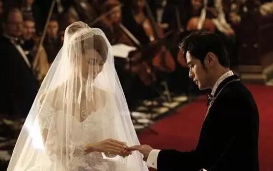 周杰伦昆凌登记结婚_这些明星的结婚对戒 你也买得起