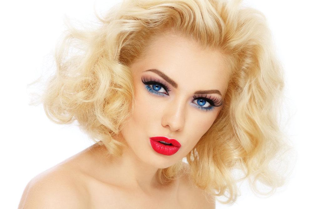 欧美妆容_除了韩国女生特有的气质,仔细研究能发现,她们精致的水润白皙妆容也帮