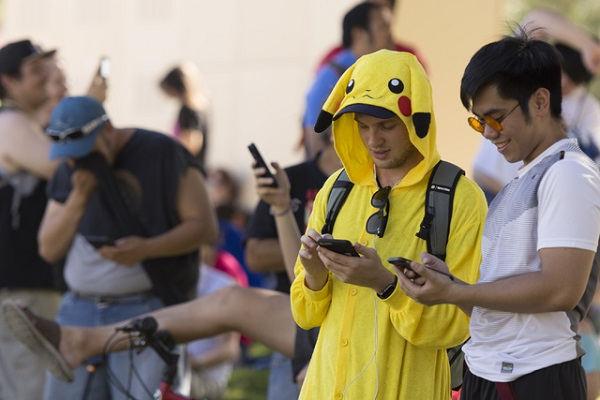 Pokemon Go很好,但你和精灵之间隔着手机屏幕 AR游戏 第1张