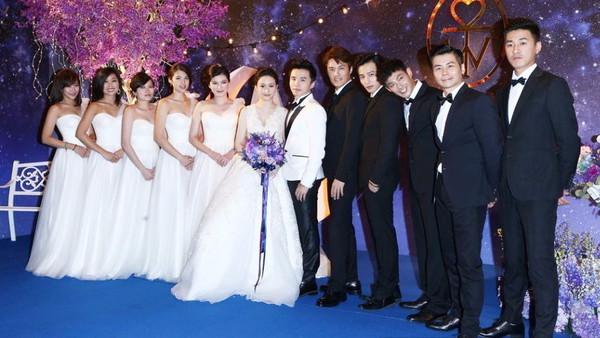棒棒堂阿纬(刘峻纬)昨晚在台北举办婚礼,王子,小煜,小杰,威廉等棒棒糖