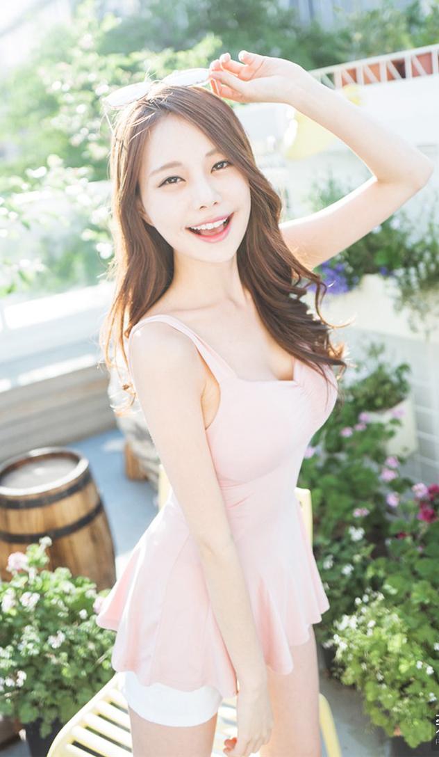 美女掰穴爽_chinajoy最大胸的美女主播:金敏英 湛颜值高