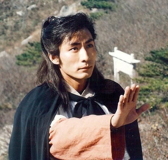 张子健谈甘十九妹_昔日红极一时的古装女神杨潞如今沦为龙套