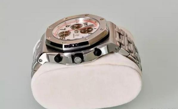 JF厂爱彼小熊猫腕表,来看看你可能分辨真假? - 37表业