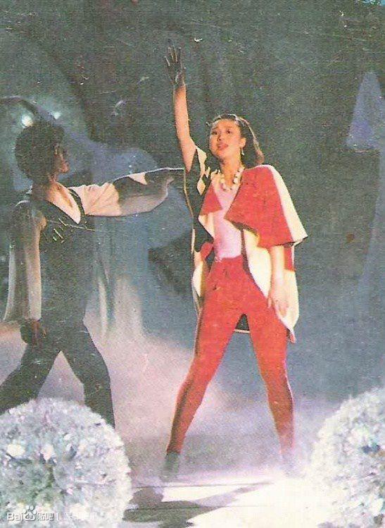 80 90年代流行的健美裤流行回来了