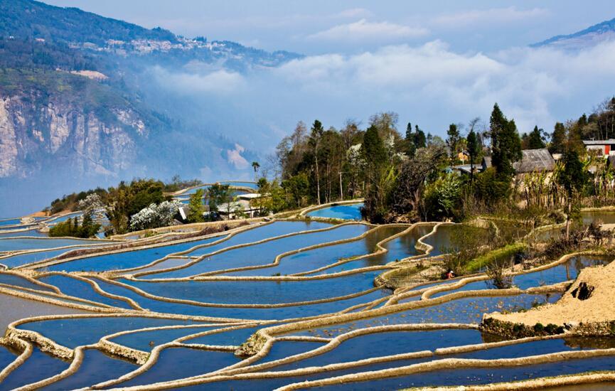人类破坏自然的例子_元阳哈尼梯田旅游攻略,这里被称地球上最美的曲线