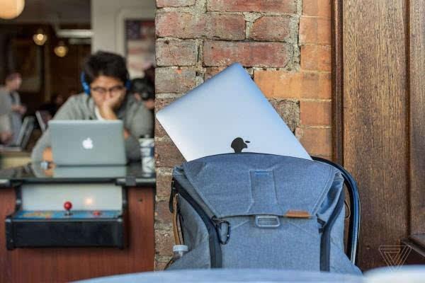 MacBook Pro评测:更强性能、更便携、更多转换器的照片 - 11