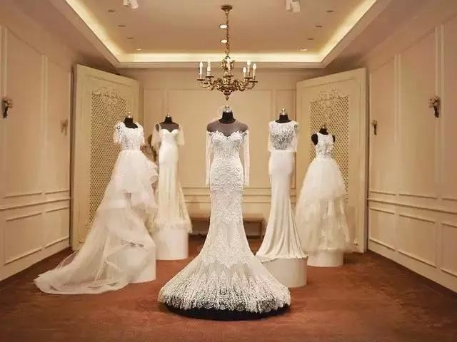 欣赏一下明星们华丽的婚纱,双11