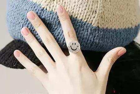 手指长短看女人爱情事业财运_5个脚趾长短看命运图-5个手指长短看命运图_第二个脚趾最长的 ...