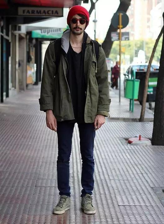 黑色开衫搭配男_潮男必备单品牛仔裤的搭配