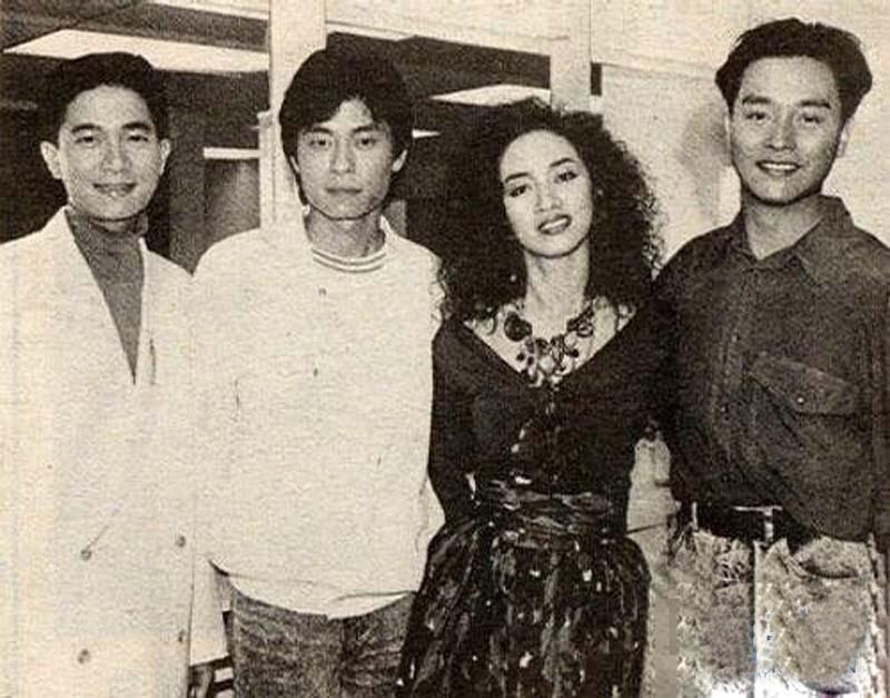 黑白中文第一次给了老哥26p_这是他们第一次见面的情景.