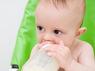 """育儿经验:宝宝不喜欢用奶瓶喝奶怎么办"""""""