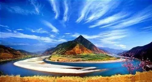香格里拉在哪里啊_part 5 香格里拉 这个被称为离天堂最近的地方天空湛蓝,空气清新.