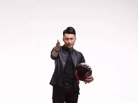刘雯,男,河南开封人,出生于1986年5月,河南电视台主持人,毕业于
