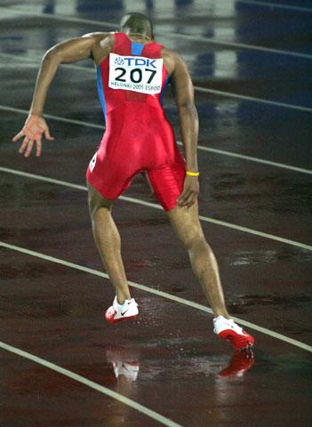 肌肉拉伤_跑步后大腿刺痛(不是酸痛),会不会肌肉拉伤了?