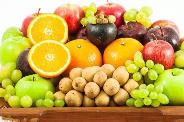 晚上別再吃這8種水果啦,對身體不好!
