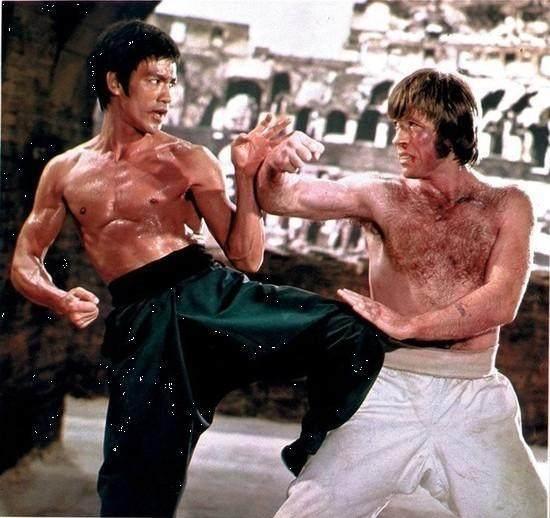 李小龙拳_李小龙一拳800公斤,可以吊打泰森和一龙?
