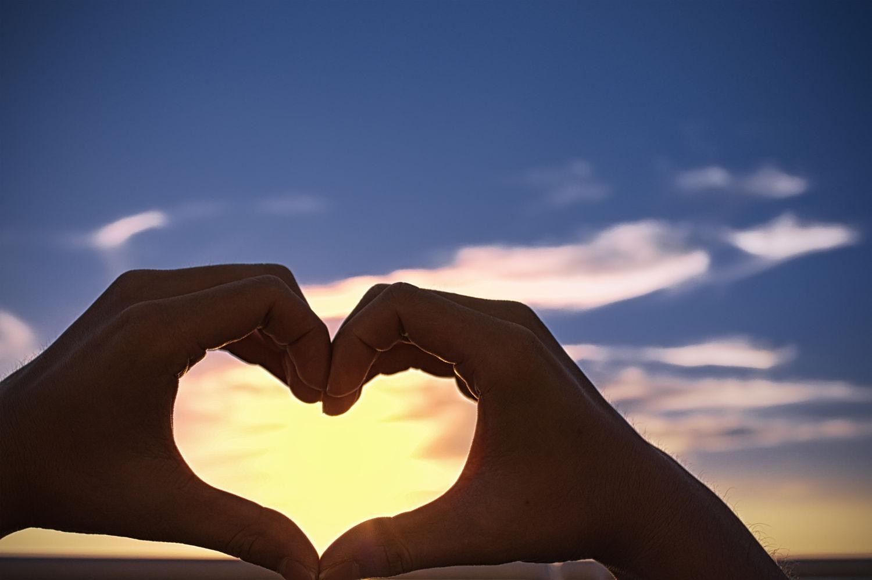 恋爱_伊思情感关于冬季恋爱物语的情深缘浅