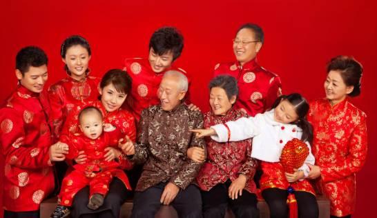 创意三人全家福_过年怎么拍全家福这21张照片,才是全家福的最高境界!_搜狐教育