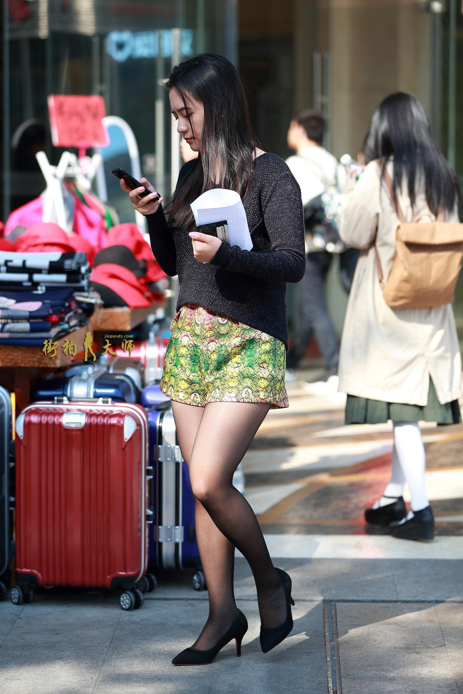 街拍美女网第一站_街拍短裤,街拍黑丝,街拍高跟-搜狐