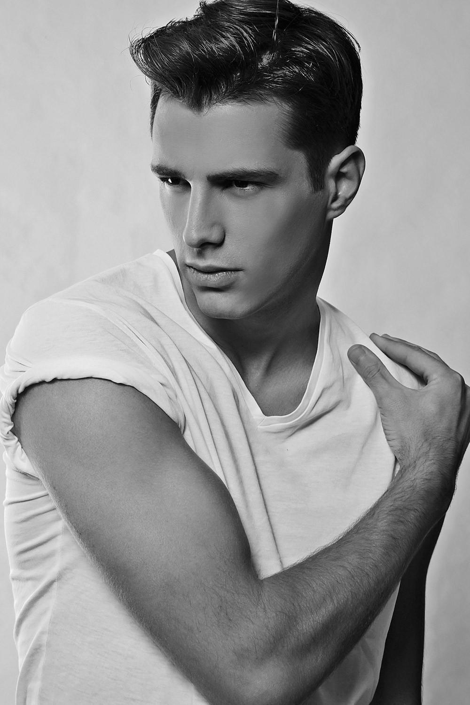 美国好莱坞女星囹�a_时尚圈里的同性恋男模