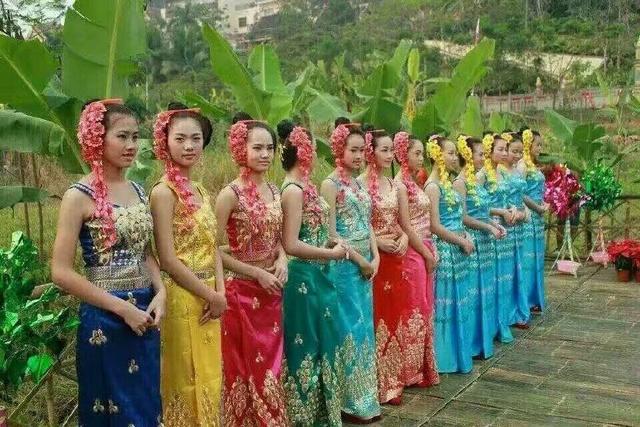 傣族姑娘_云南瑞丽傣族姑娘比基尼大选美,你喜欢哪一位