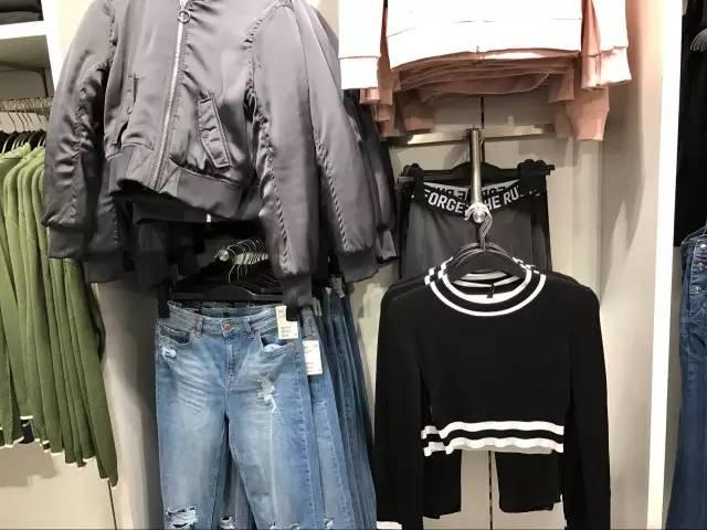 撸二哥乱伦小�9�+9.:hm_试衣间觉得超美的衣服,回家后分分钟想退货?
