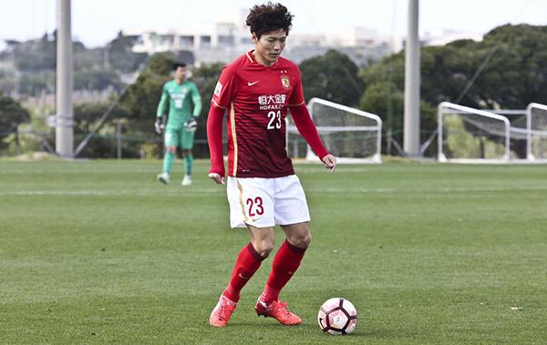 愹�m9`mh�ވz�h��_恒大韩国外援金亨镒至今在联赛没有取得比赛机会. 视觉中国 资料图