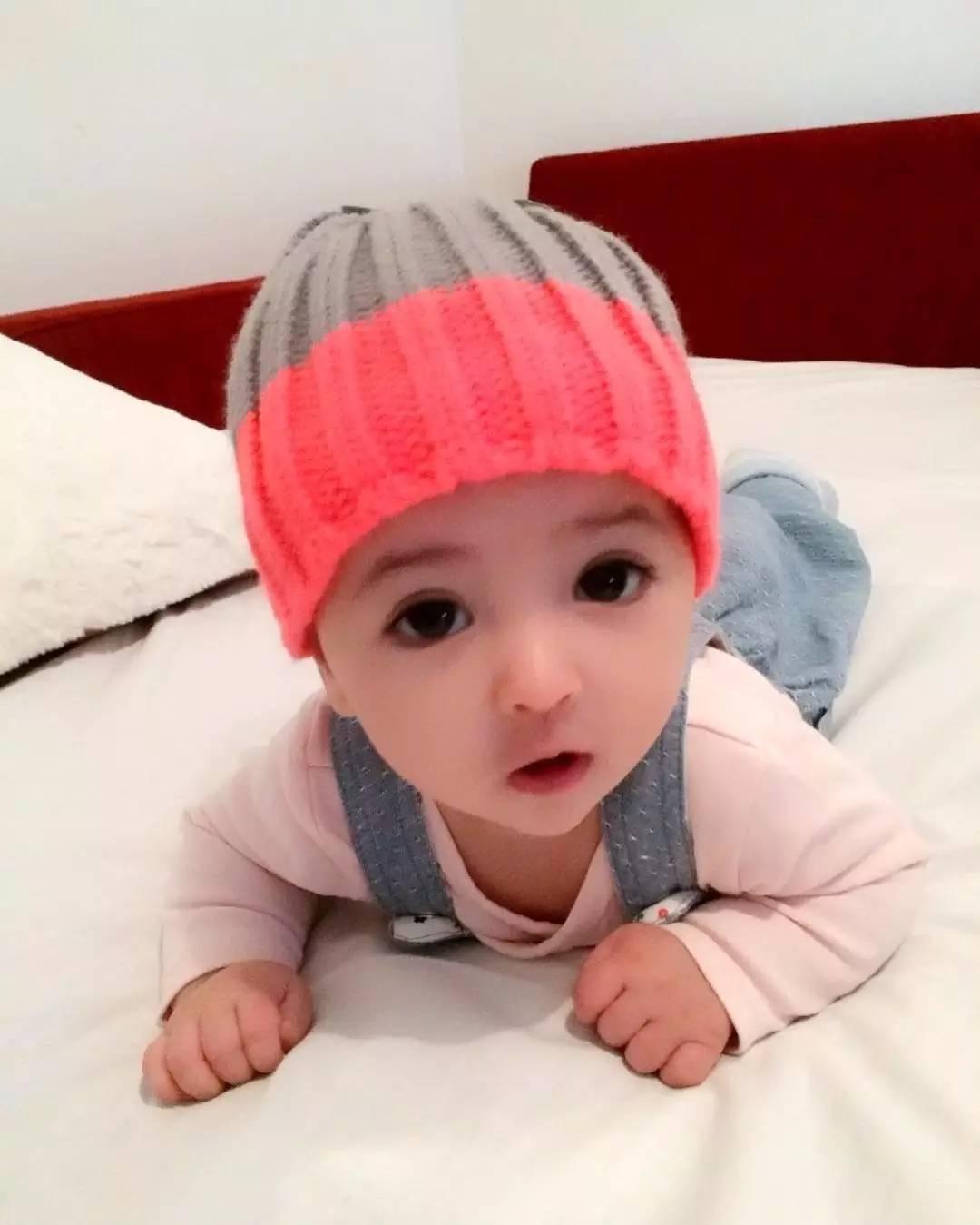 瑞典一小宝宝因完美五官走红,才几个月大就圈粉无数,太漂亮了!